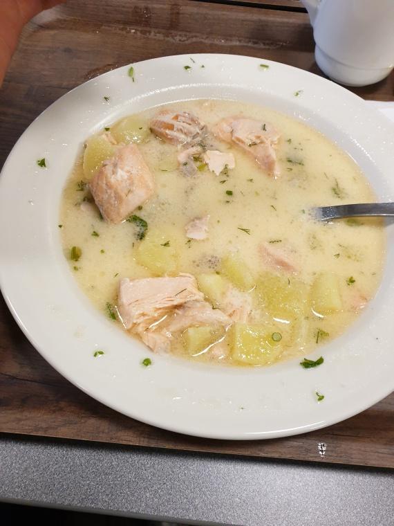 Уха из лосося в ресторане Disas Fish
