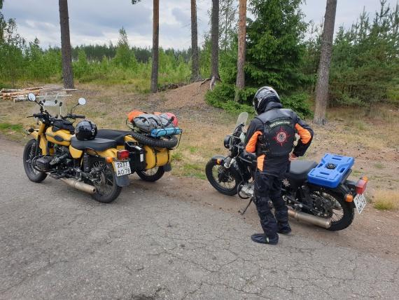 Отдых на парковке вдоль финской трассы